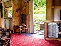 Panoramatický snímek obývacího pokoje - chata k pronajmutí Hostěnice