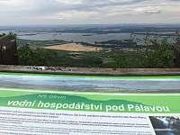 krásný pohled z Pálavy na jezera - Brod nad Dyjí