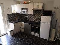 Kuchyně - chata k pronájmu Mutěnice