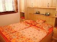 Pokoj č. 1 každého apartmánu - k pronájmu Dolní Dunajovice