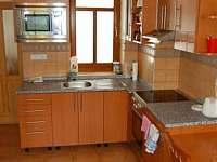 Vybavená kuchyně - chalupa ubytování Ždánice