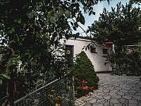 Ubytování na Lontu - exteriér - pronájem apartmánu Němčičky