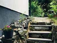 Schody k venkovní terase