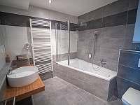 Koupelna apartmán - pronájem vily Blatnička