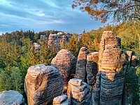 Výlet do Prachovských skal - z GALA ubytování je to coby kamenem dohodil:) - Česká Lípa