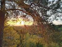 Západ slunce v Prachovských skalách - z GALA ubytování je to coby kamenem :) - pronájem apartmánu Česká Lípa