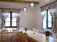 společenská místnost - chalupa ubytování Jestřebice