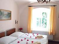 Hlavní ložnice - pronájem apartmánu Houska
