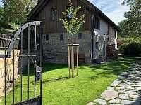vstup na zahradu Víkendovky Korce -