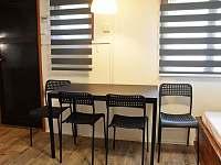 Jídelní stůl - chata k pronajmutí Doksy - Staré Splavy
