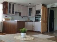 Kuchyň - apartmán k pronájmu Skalka u Doks