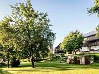 zahrada - chalupa ubytování Jestřebí - Újezd
