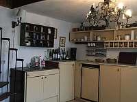 kuchyň - chalupa k pronájmu Boreč