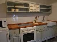 Apartman kuchyňka - chalupa k pronajmutí Mošnice