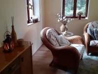 obývací pokoj - chata k pronájmu Mšeno