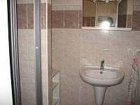 APT (RD) - sprcha, WC