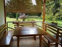terasa-sezení - rekreační dům ubytování Doksy