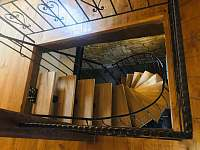 schody - apartmán ubytování Tuhaň