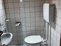 toaleta - pronájem apartmánu Tuhaň