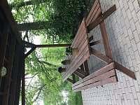 venkovní sezení - pergola - pronájem chaty Hostíkovice