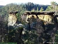 Kokořínský důl,skalní útvar Pokličky - Konrádov