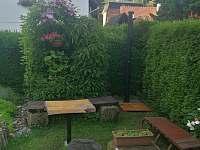 Zahrada - chalupa ubytování Konrádov