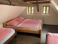 Ložnice 4 - podkroví - chalupa k pronajmutí Tupadly