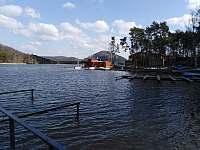 Máchovo jezero - přístav - Staré Splavy