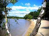 Pláž Máchova jezera - chata ubytování Staré Splavy