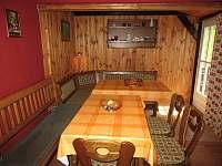 obývací kuchyň,vchod na slunnou terasu - pronájem chalupy Velká Úpa