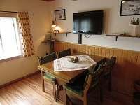 obývací pokoj ,rozkl.gauč ,průchozí do ložnice - Velká Úpa