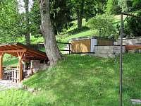 venkovní masážní bazén-vířivka - chalupa k pronajmutí Velká Úpa