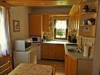 denní místnost-kuchyň pro klienty - chata k pronájmu Žacléř - Prkenný Důl