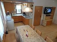 denní místnost-kuchyň pro klienty - chata k pronajmutí Žacléř - Prkenný Důl