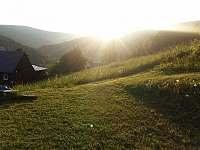 Chalupa Na hráni, není nad západ slunce nad hřebeny Krkonoš - pronájem Velká Úpa