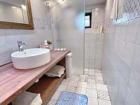 Koupelna - chalupa k pronajmutí Tample