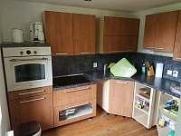 Kuchyně - chata k pronájmu Jánské Lázně