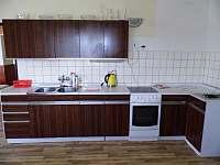 Kuchyně - apartmán k pronajmutí Malé Svatoňovice
