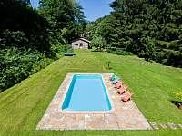 Bazén a zahrada - vila k pronajmutí Svoboda nad Úpou