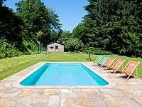 Bazén s posezením - pronájem vily Svoboda nad Úpou