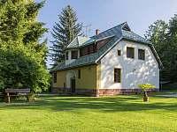 Zahrada a dům - vila ubytování Svoboda nad Úpou