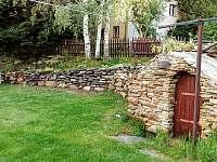 zahrada - chalupa ubytování Rokytnice nad Jizerou