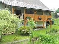 zahrada s verandou