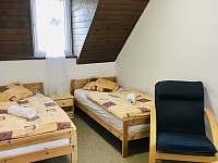 Pokoj 2 dvouluzkovy - pronájem chalupy Hertvíkovice