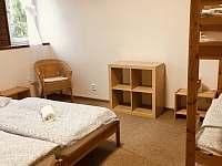 Pokoj 3 ctyrluzkovy - chalupa k pronájmu Hertvíkovice