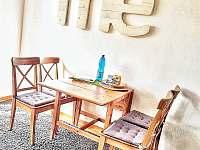 Jídelní kout - apartmán k pronajmutí Horní Maršov