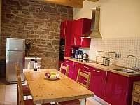kuchyň - chalupa k pronajmutí Rudník