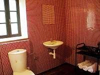 wc v patře - chalupa k pronájmu Rudník