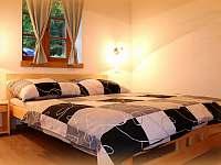 manželská postel 1 - chalupa k pronajmutí Černý Důl