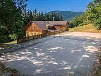 víceúčelové hřiště u chaty - chalupa k pronájmu Herlíkovice